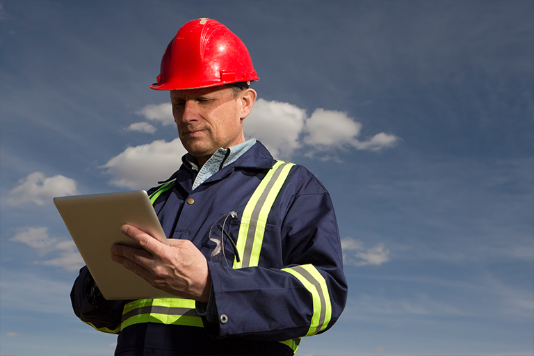 Utility engineer with GE mobile ADMS application | GE