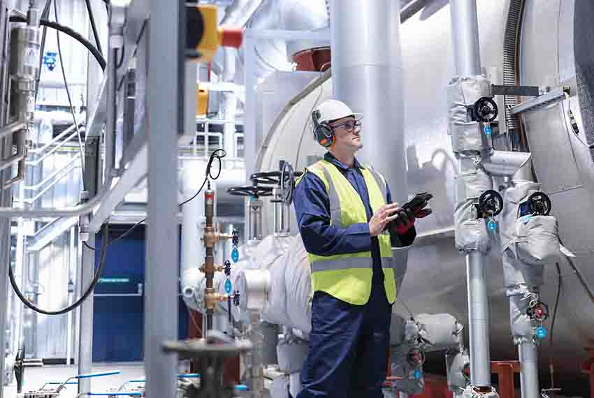 Digital worker in a power generation plant | GE Digital