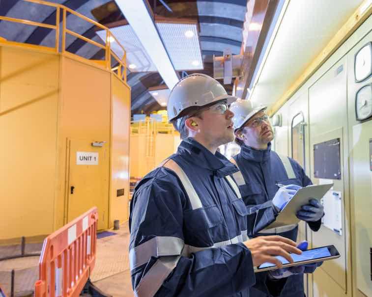 Digital workers using GE Digital Software | Industrial software