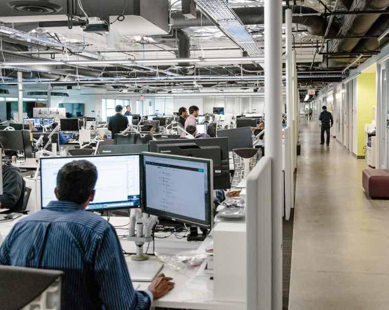 Software engineer programming industrial applications | GE Digital
