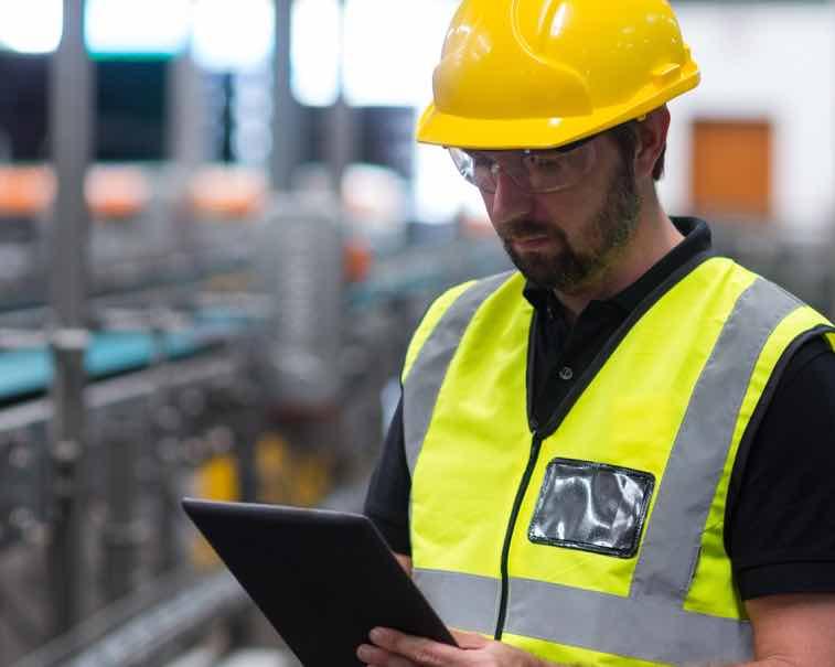 Engineer using GE Digital industrial software