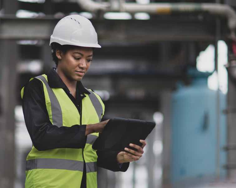 Engineer using GE Digital industrial software