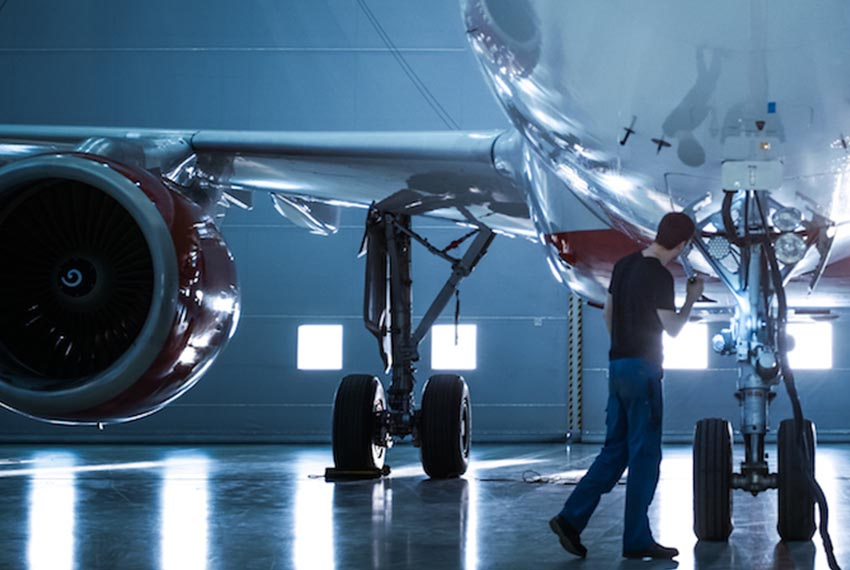 Predictive maintenance software helps aviation stay ahead of maintenance issues | GE Digital