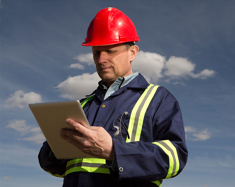 Digital worker in Industry using GE Digital software in the field