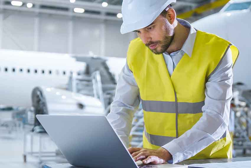 Aviation Engineer using software with the latest Emerging Technologies from GE Digital