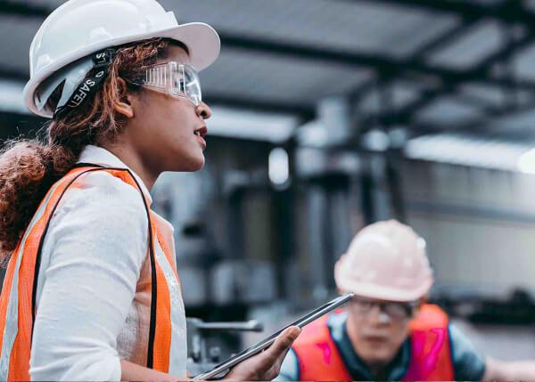 Digital worker using GE Digital software on tablet   Industrial software
