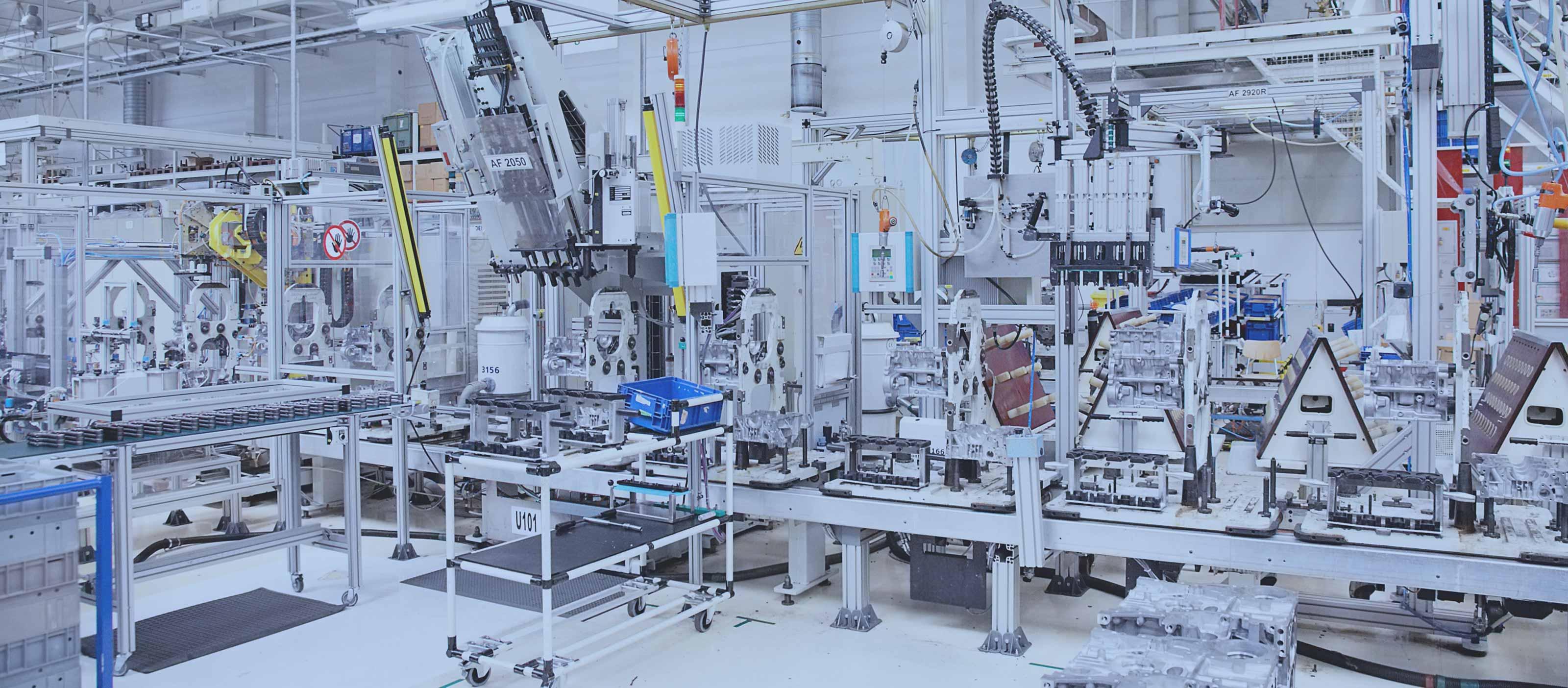 header-manufacturing-auto-engines-41033853-3200x1404-v3