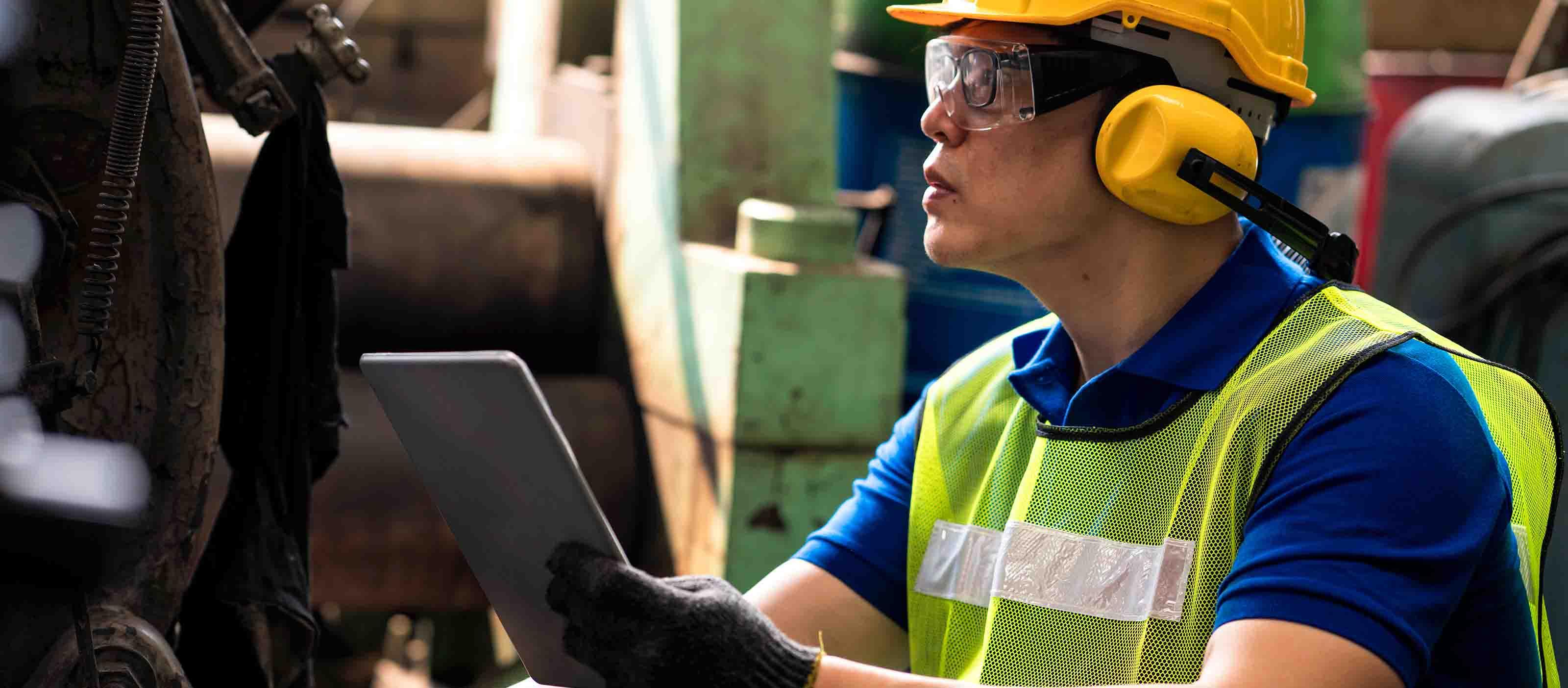 Industrial engineer using GE Digital automation software | Digital worker