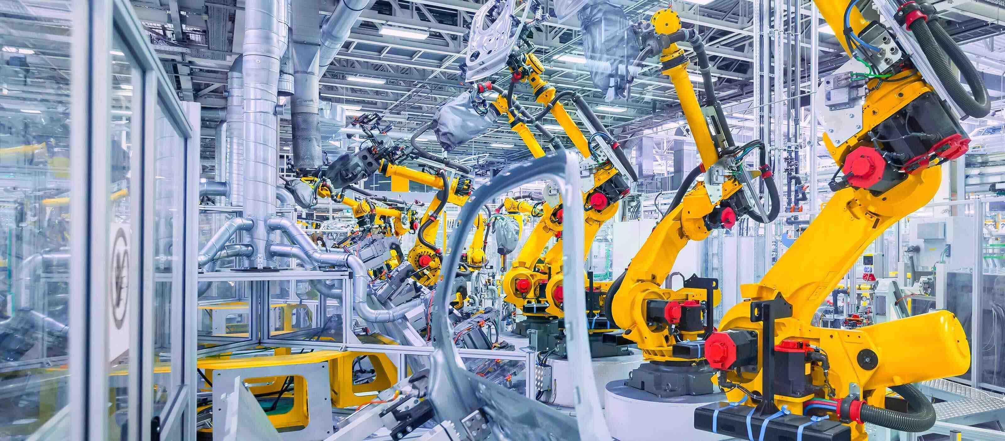 header-solution-provider-automotive-plant-101709371-3200x1404