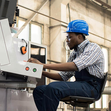 Industrial engineer | Industrial operator using GE Digital software