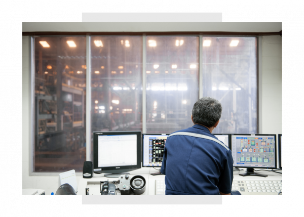 Industrial engineer using Predix Essentials from GE Digital