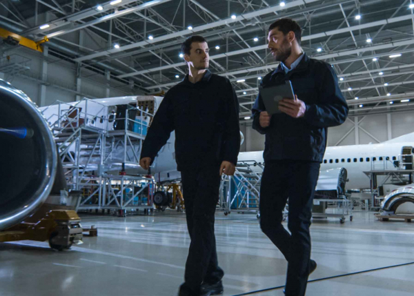 Aviation engineers using GE Digital software for early detection of aircraft and component degradation