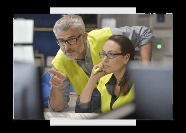 Industrial engineers using Predix Essentials from GE DigitalIndustrial engineers using Predix Essentials from GE Digital