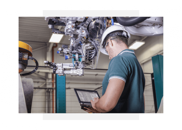 Engineer using GE Digital's Predix software to monitor industrial asset performanceEngineer using GE Digital's Predix software to monitor industrial asset performance