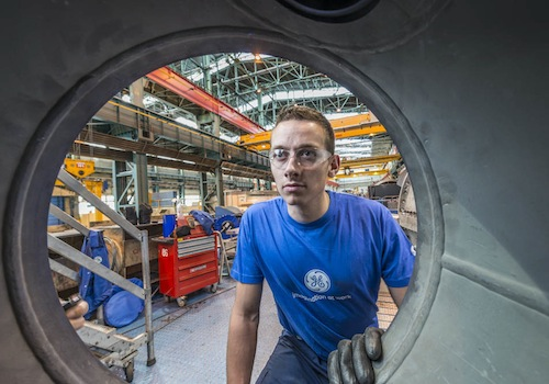 GE employees at work in Belfort