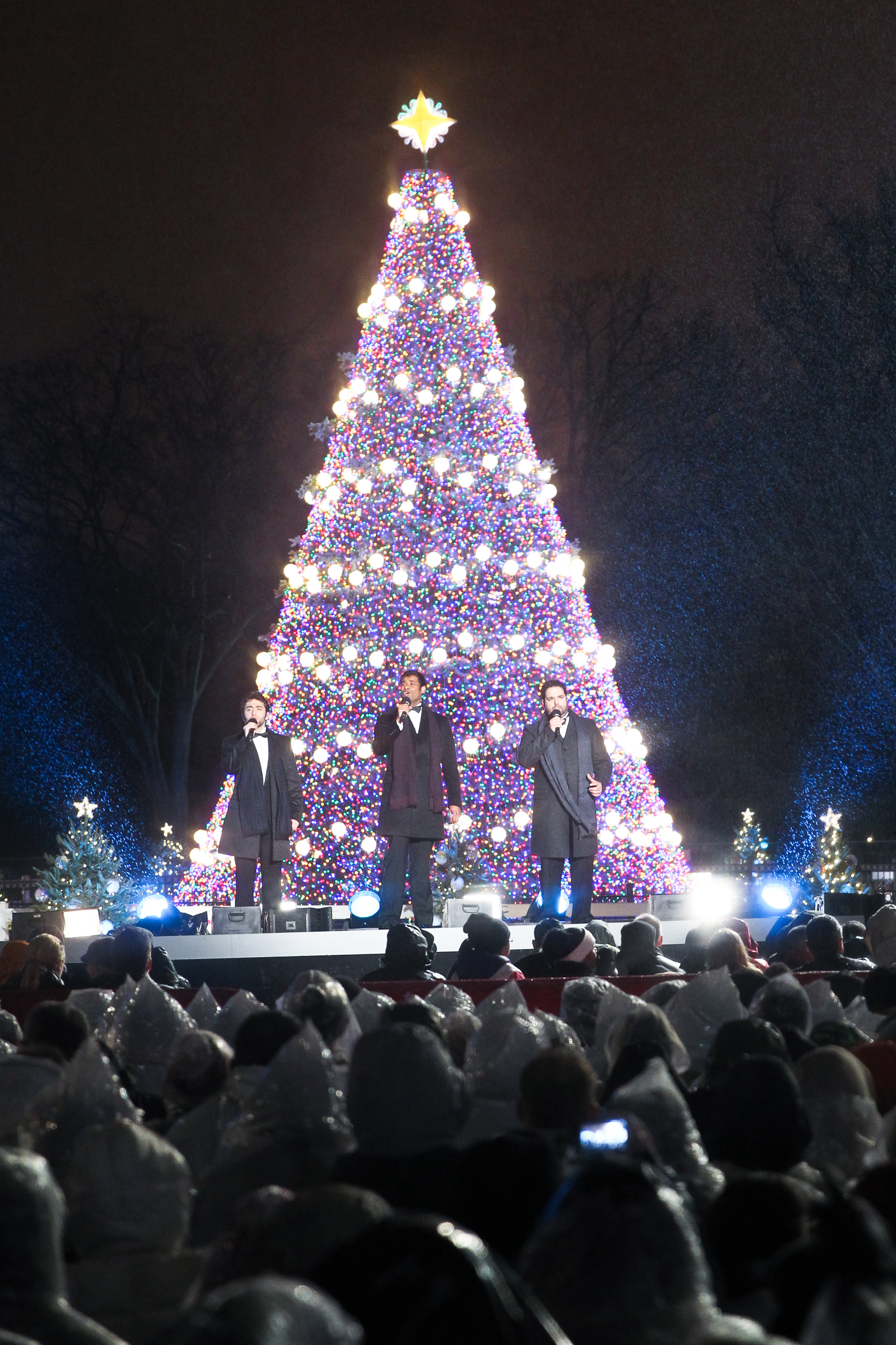 Ge Christmas Lights.Ge Led Holiday Lighting Shines Bright On The National