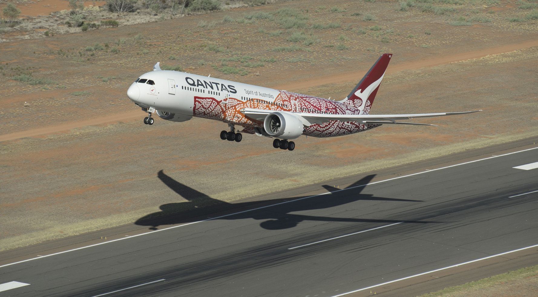 A Flight Of Fancy Qantas Jet Flies Non Stop From Australia To London For The First Time Powered By Ge Ge News