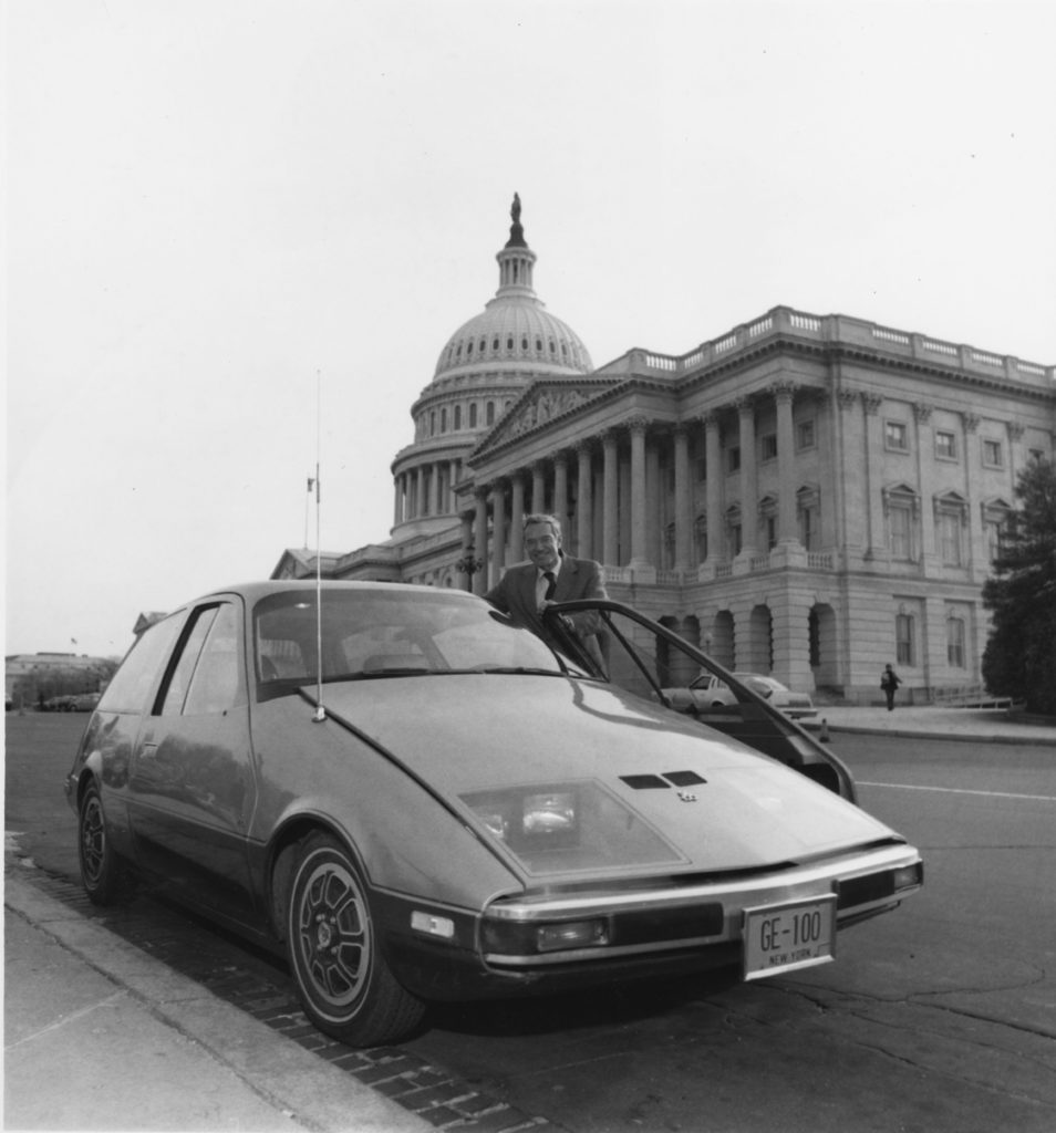 GE100atUSCapitol withSamStratton 1978.jpg