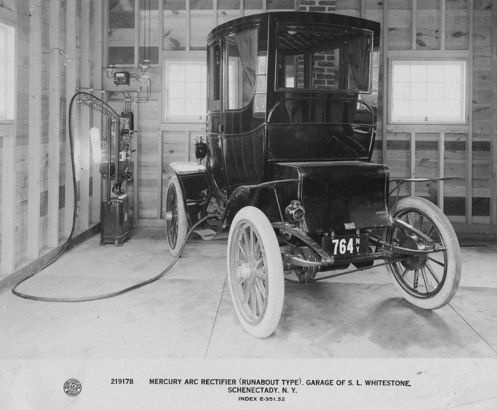 219178Carand chargingingstationingarageofSamuelWhitestone,1911 GE Treasurer.jpg